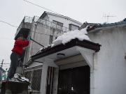 雪下ろし中