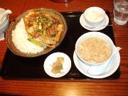 豚角煮と豆腐のウマ煮かけご飯 800円