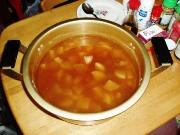 大鍋でお汁作り